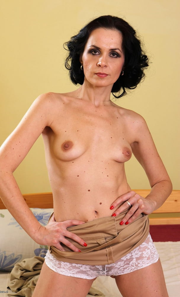 Dannie recommends Budding breasts naked