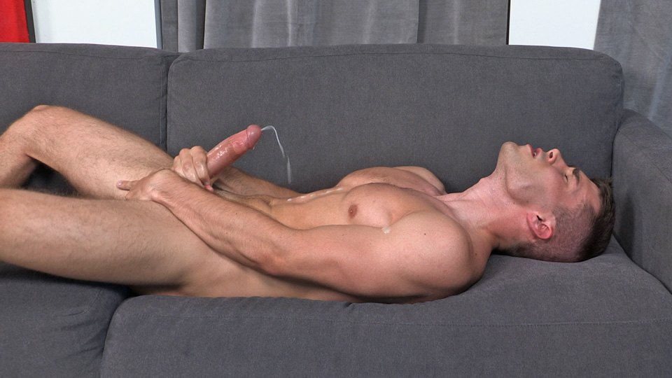 Esteban recommend Gloryhole locations and blogs