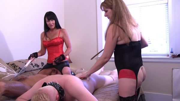 Emmaline recommend Shaved kissing lesbian movies