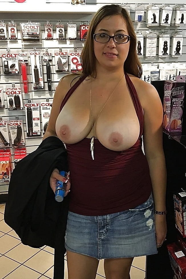Shannon recommends Hooters style sexy shirts