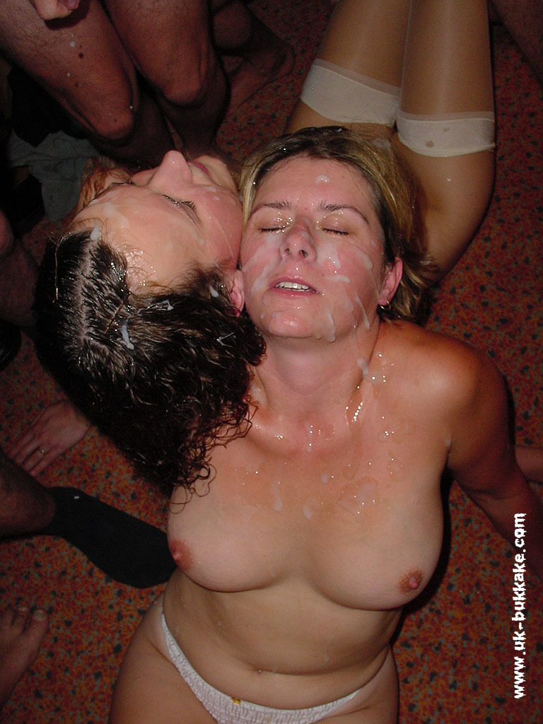Camberos recommends Stretch my wifes lips with that cock