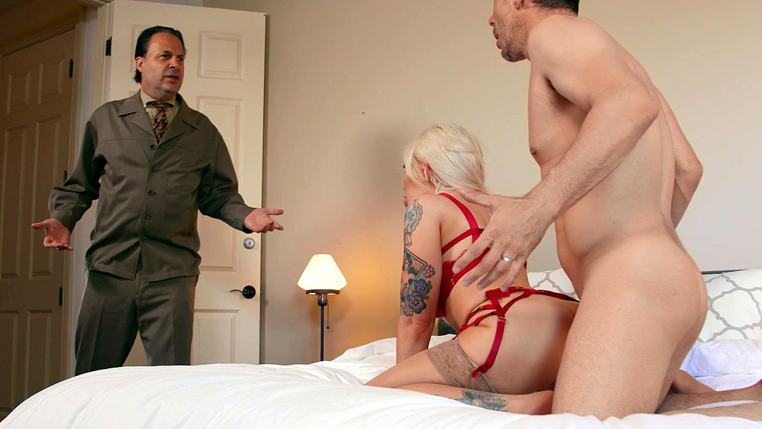 Senechal recommend Hot blondes being fucked