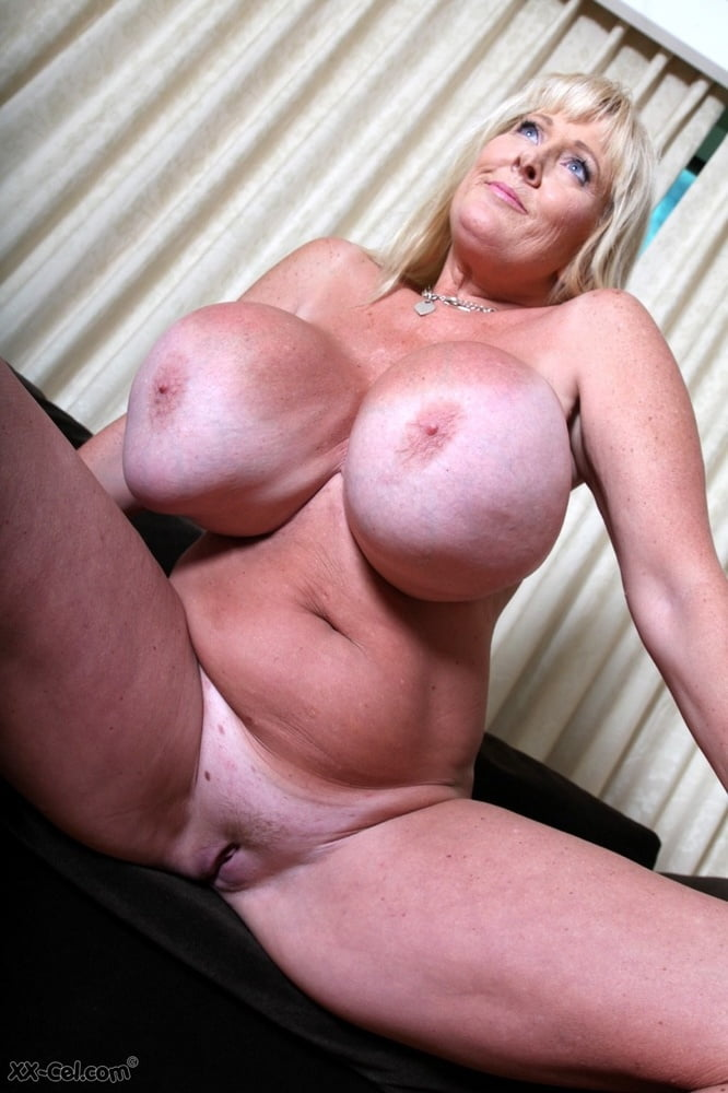 Toby recommends Couple group milf sexy swinger